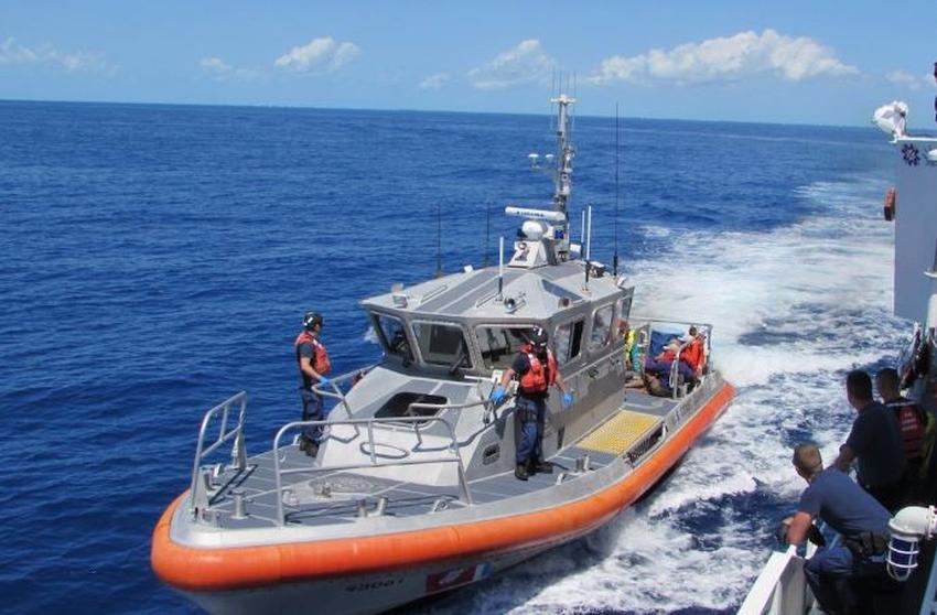 Guarda Costas de Estados Unidos interceptan a 11 balseros cubanos muy cerca de la costa