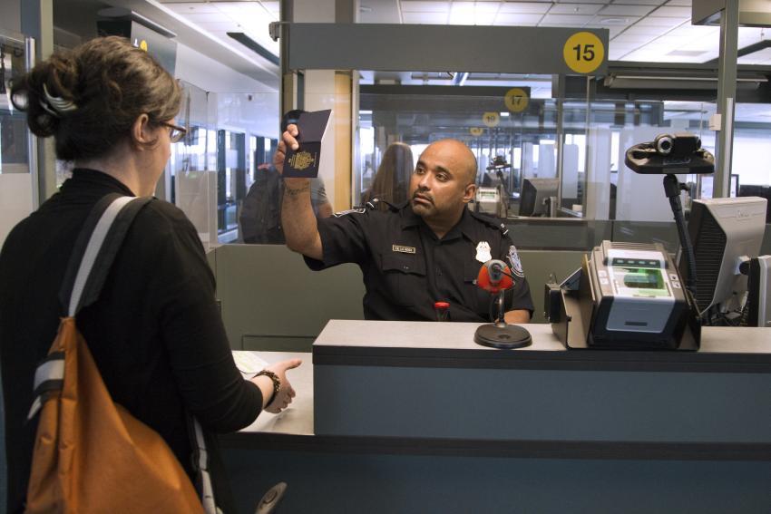 Estados Unidos suspende la entrada de extranjeros que hayan visitado China en las últimas dos semanas
