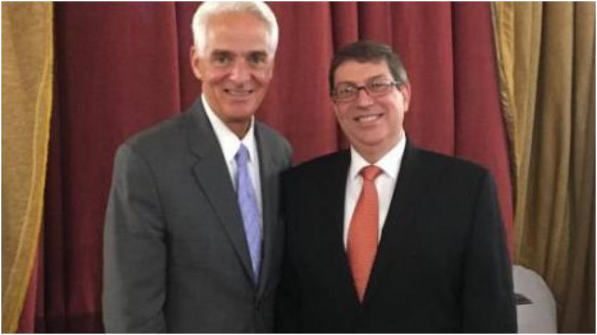 Demócrata de la Florida, Charlie Crist, se reúne con Bruno Rodríguez en Cuba