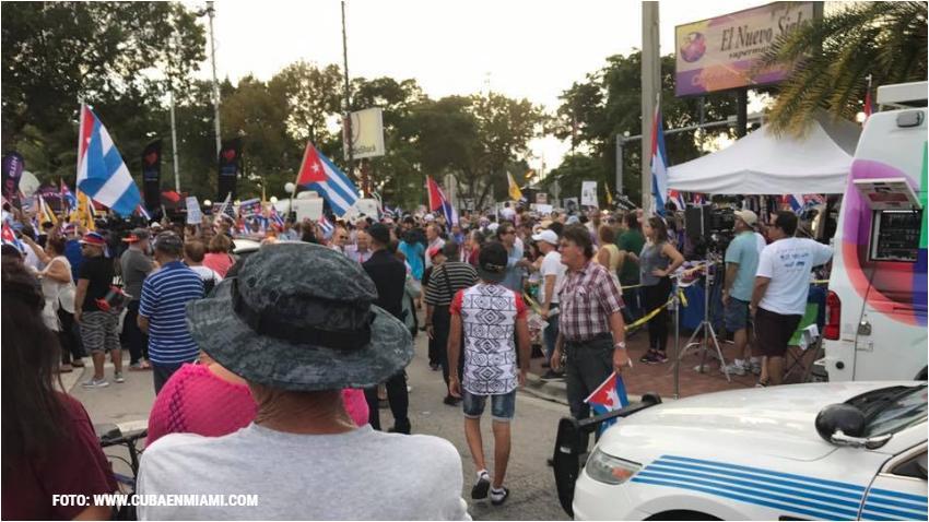 Cubanos en Miami a favor de la implementación del Título III de la Ley Helms Burton