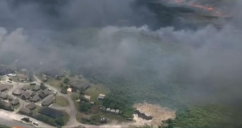Incendios forestales cubren diez acres de terrenos al oeste de Miami