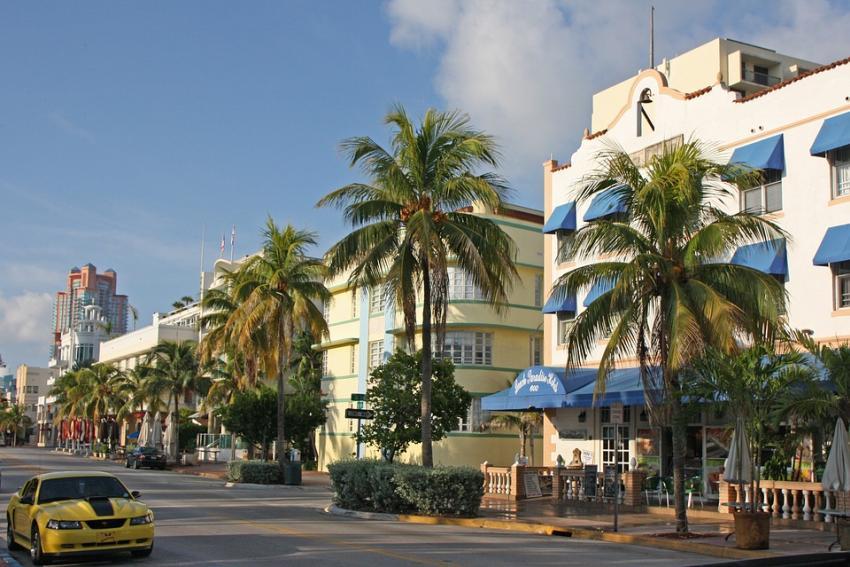 Ciudad de Miami Beach cogerá $500000 dólares de dinero de las multas para ayudar a personas sin hogar