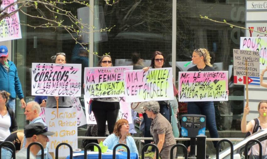 Se manifiestan cubanos en Montreal por suspensión de trámites consulares de la Embajada de Canadá en La Habana