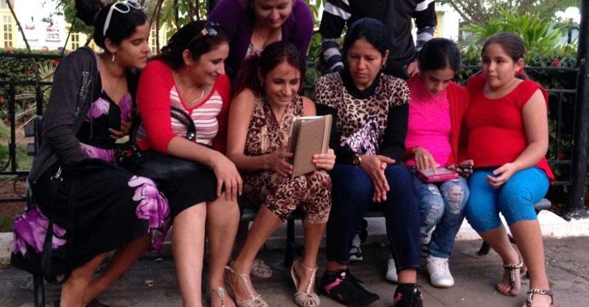 Limitada oferta de Etecsa por el Día de las Madres provoca lluvia de críticas
