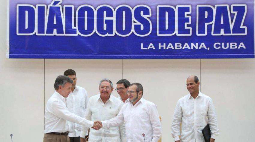 En La Habana se pactó un gobierno con los narcotraficantes, denuncia el ex presidente colombiano Álvaro Uribe