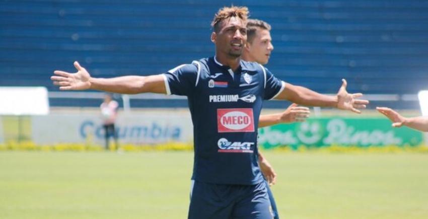 Futbolista cubano que enfrenta cargos por violar a una menor de edad en Costa Rica, no podrá salir de ese país y está pendiente a juicio