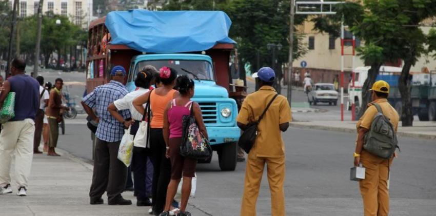 """Retornan los """"amarillos"""" por la crisis del transporte en Cuba, debido a la escasez de combustible"""