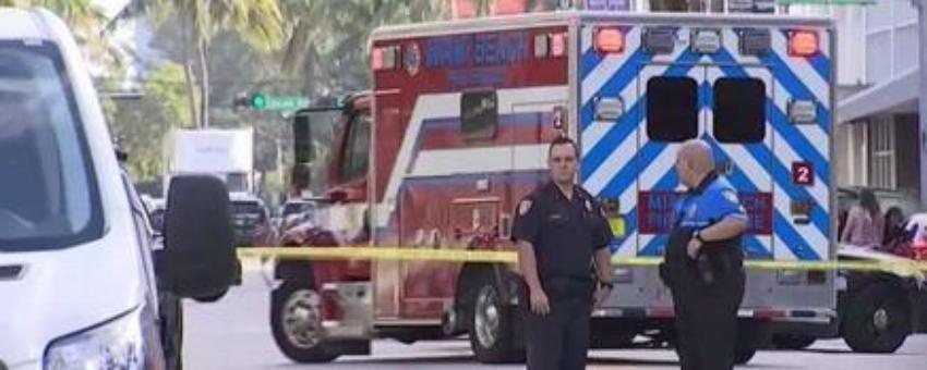Dos heridos tras impacto de camión contra edificio en South Miami