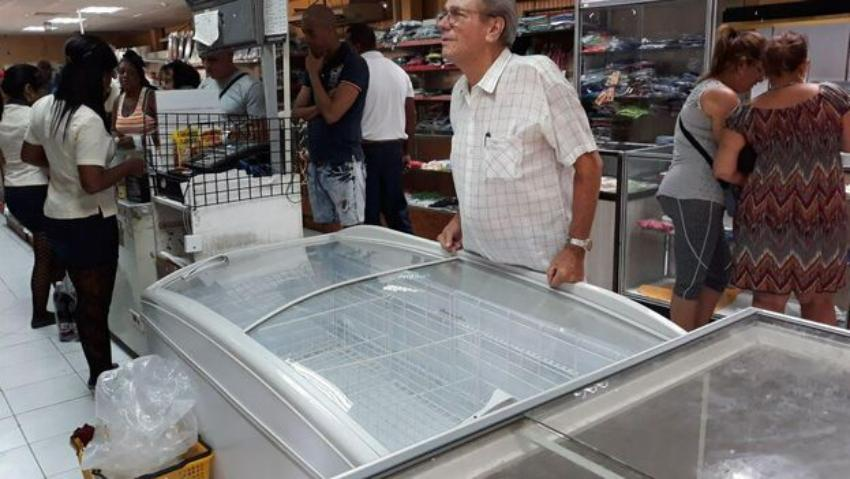 """El régimen asegura que los cubanos apoyan el racionamiento y que la escasez es """"coyuntural"""""""