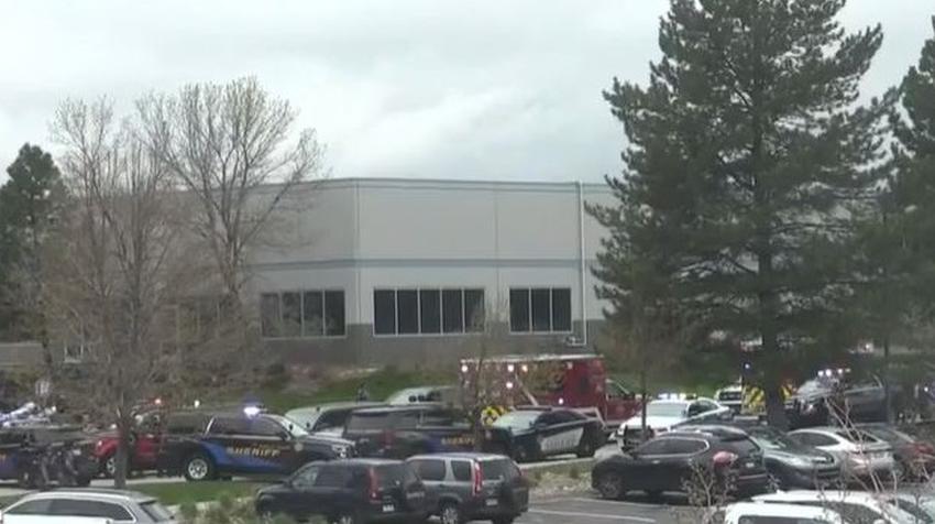 Tiroteo en escuela de Colorado deja 8 heridos, dos arrestados y una tercera persona a la fuga