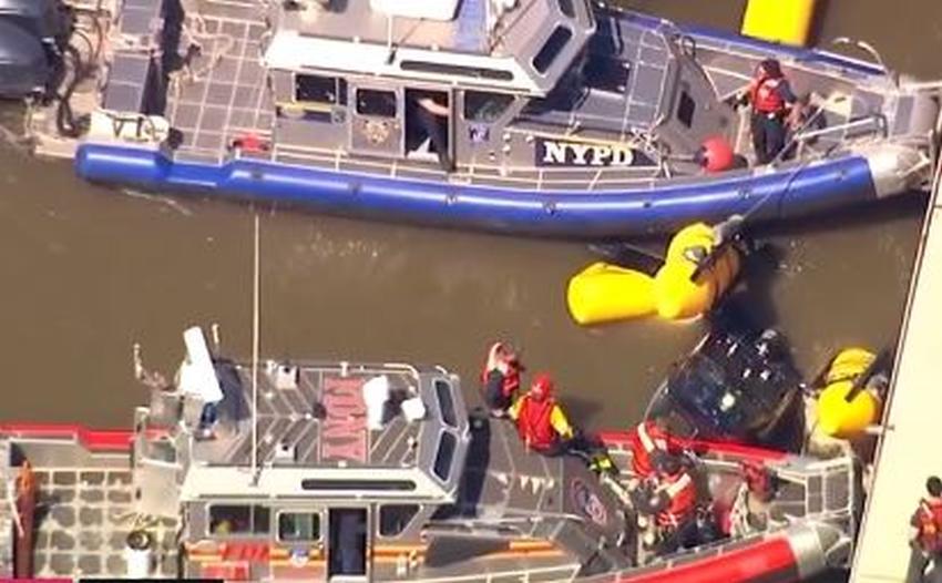 Helicóptero se estrella en el río Hudson en Manhattan, Nueva York