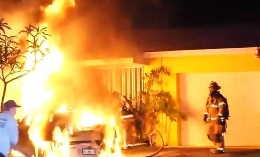 Prende en llamas un automóvil en barrio del suroeste de Miami en aparente acto intencional