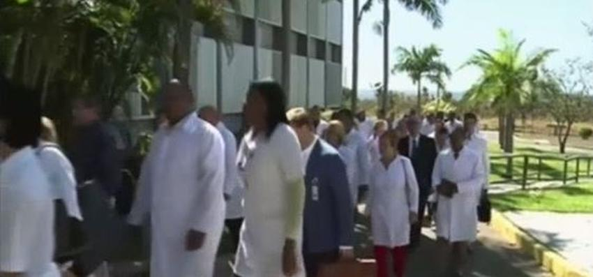 Cuba retira a sus médicos de Honduras luego del fin del convenio entre ambos países