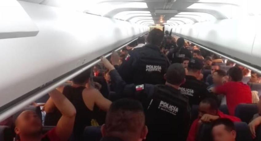Gobierno de México deporta a 95 cubanos a Cuba