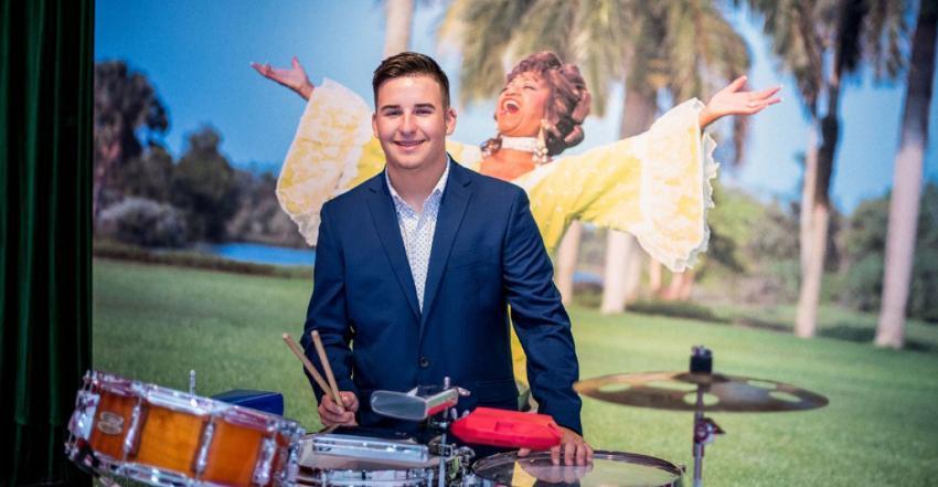 Joven percusionista de origen cubano recibe beca de la Fundación Celia Cruz