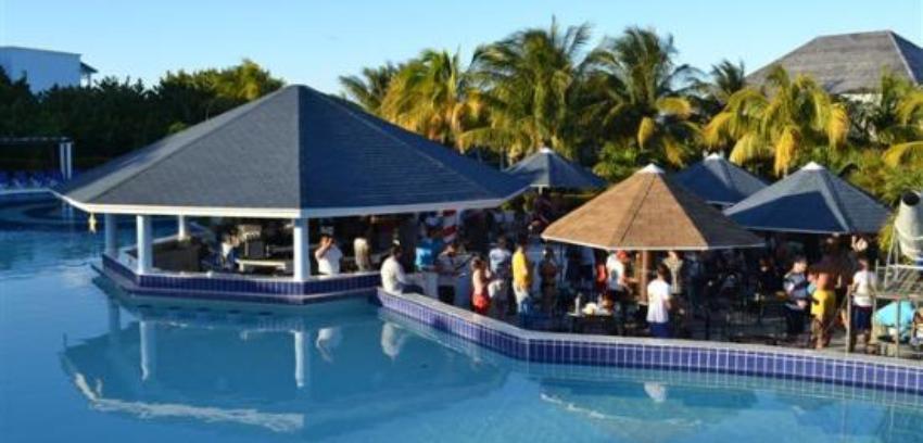 Hotel 5 estrellas Starfish Cayo Santa María no tiene ni cervezas para sus clientes