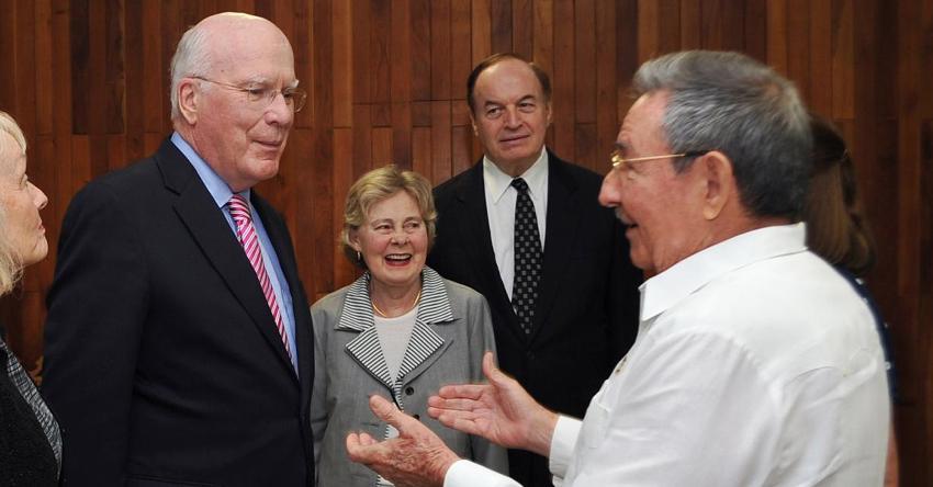 Cubanos piden a Patrick Leahy mediar para que el régimen de la Isla respete la libertad de movimiento de los ciudadanos