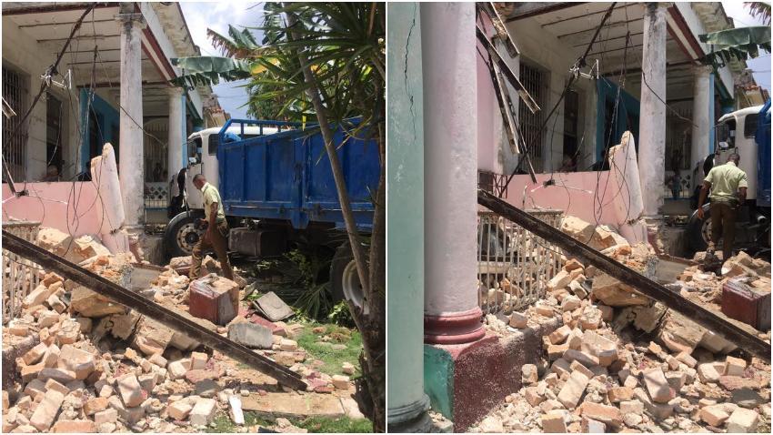 Camión impacta una casa en La Habana y destruye el portal