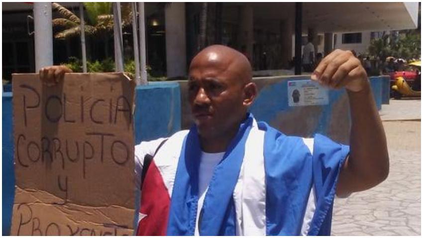Cubano sale a protestar en La Habana contra los abusos de la policía