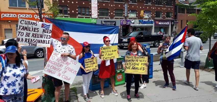 Cubanos protestan en Toronto y Montreal por la suspensión de trámites consulares en la Embajada canadiense en La Habana