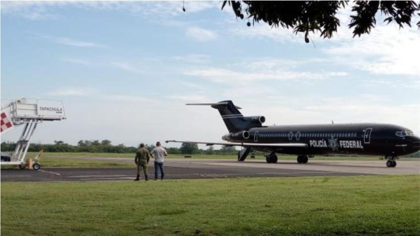 Gobierno mexicano deporta a otro grupo de 76 cubanos