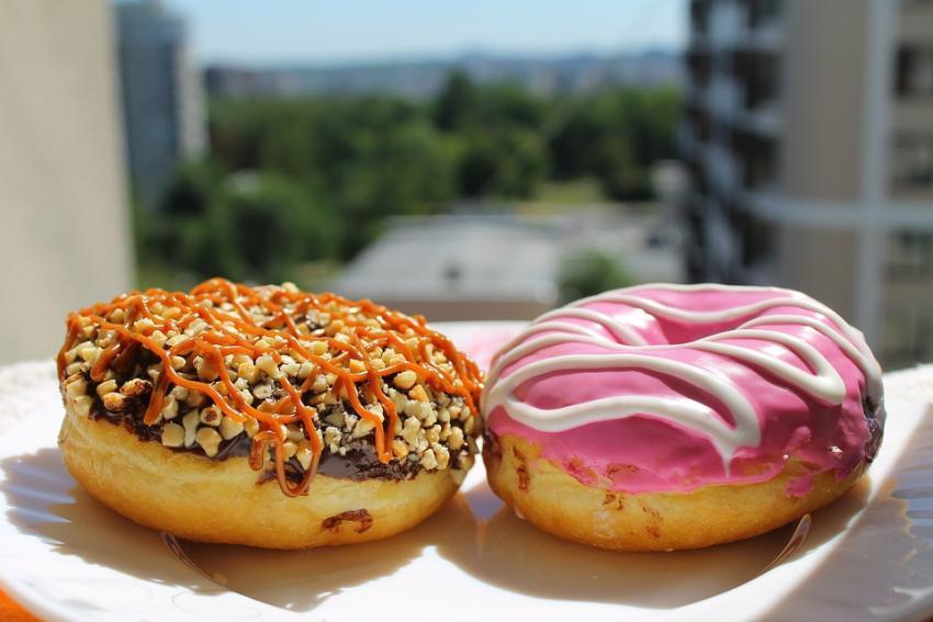 Se celebra hoy el Día Nacional de la Donut; Krispy Kreme, Dunkin y Walmart regalan donuts