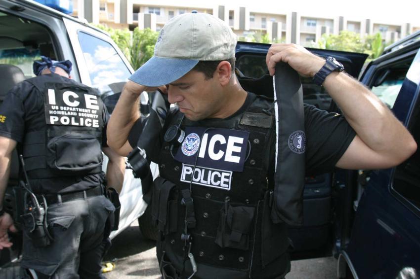 Abogada de Inmigración Claudia Canizares explica cuales son los derechos de un inmigrante durante una redada de ICE