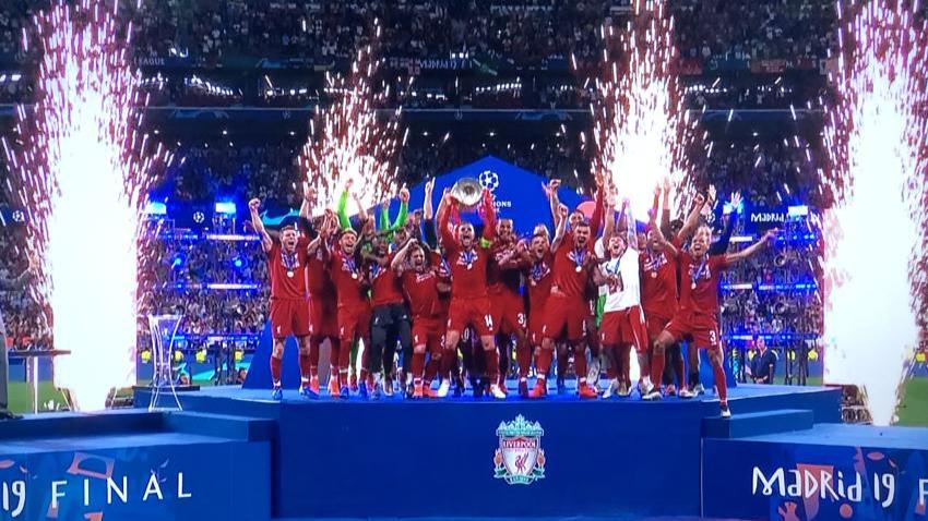 Liverpool vence la final de la Champions League 2 a 0 frente al Tottenham