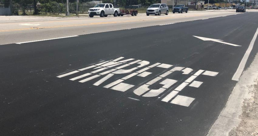 Vuelven a deletrear incorrectamente una señalización en una calle de Miami