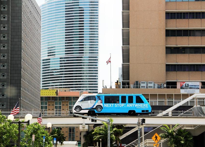 Alcalde de Miami-Dade Carlos Giménez recibe propuesta de empresa China para construir un tren que una a Miami con Miami Beach