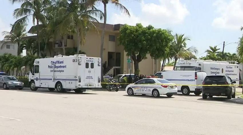 Policía abre fuego contra un hombre tras apuñalar a una mujer en Miami