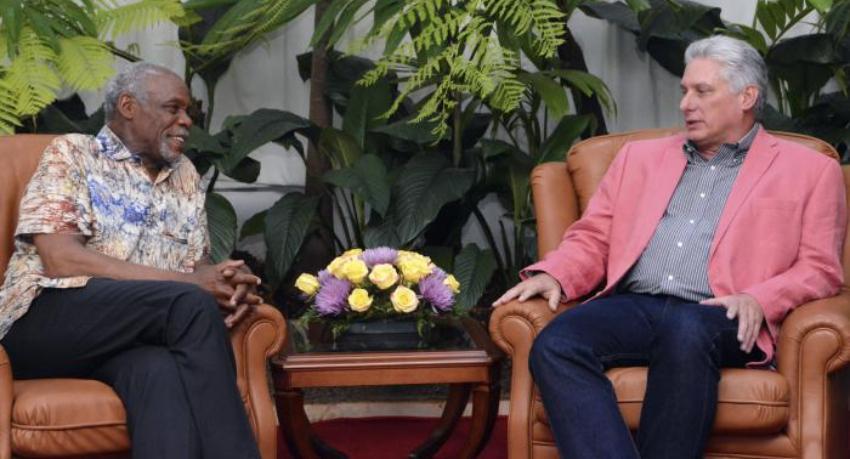 Díaz-Canel recibe en La Habana al actor estadounidense Danny Glover, un viejo amigo del régimen