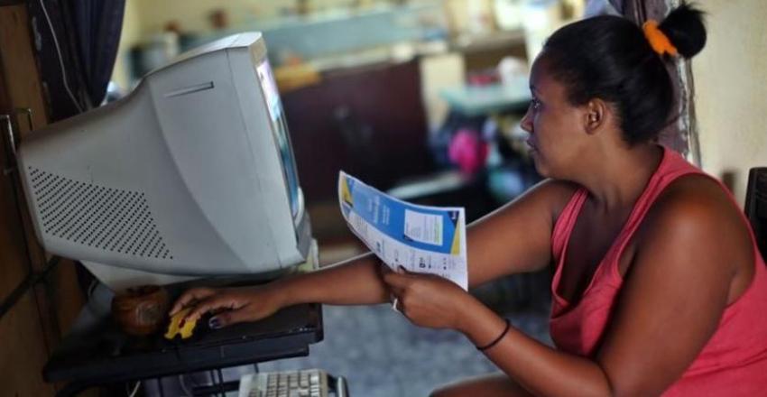 ETECSA empieza a comercializar servicio de hospedaje de sitios web, pero la gran mayoría de los cubanos no puede pagar los paquetes