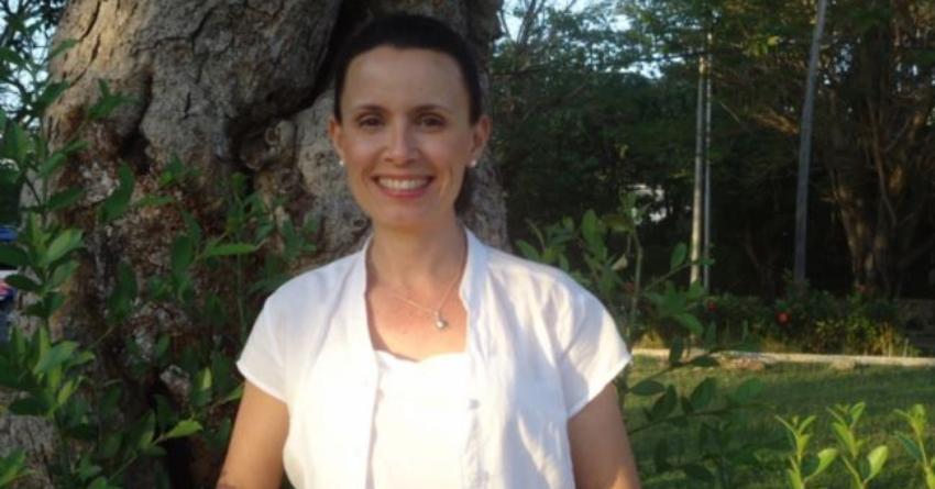 Omara Ruiz Urquiola fue expulsada del (ISDI), donde ejerció como docente por más de 20 años, por sus denuncias de carácter político