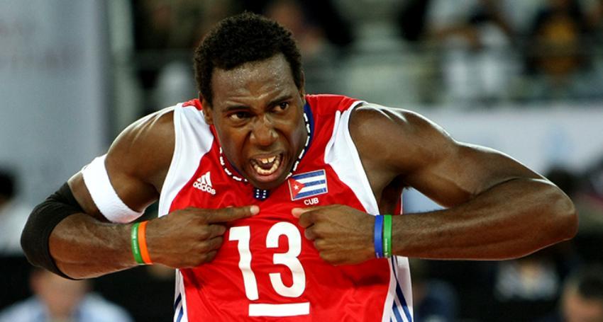 Cuba readmite en la selección nacional a tres voleibolistas que residen en el extranjero