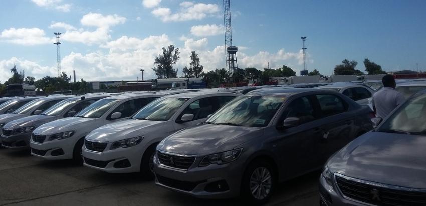 """Transtur dio a conocer la adquisición de 365 autos, Peugeot 301, """"para oxigenar...la flota de autos de renta"""""""
