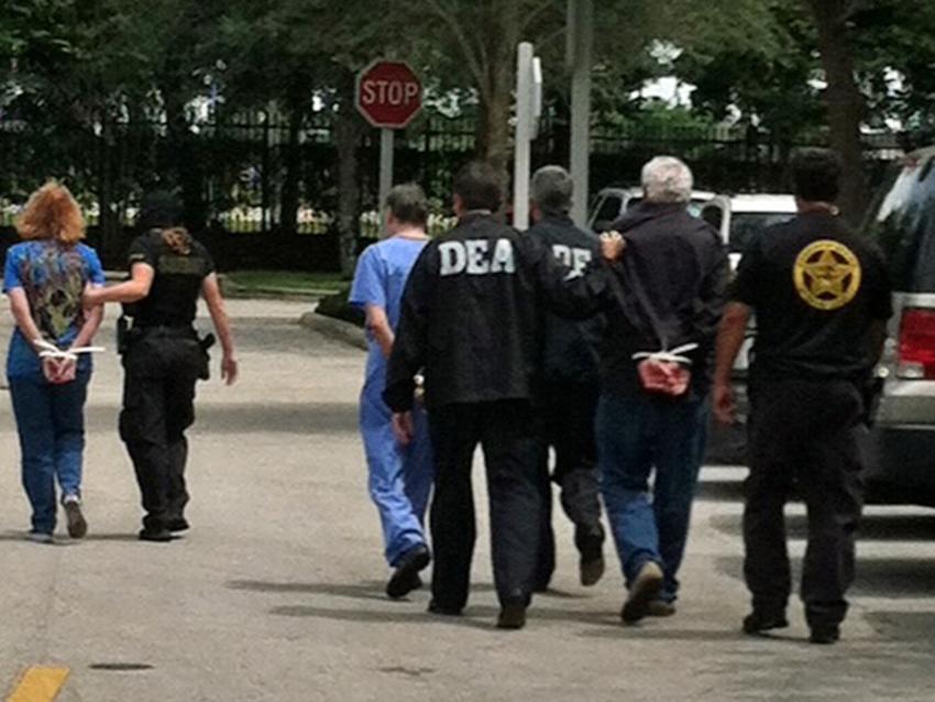 Arrestan siete personas en el Sur de la Florida involucrados en tráfico de recetas falsas para medicamentos