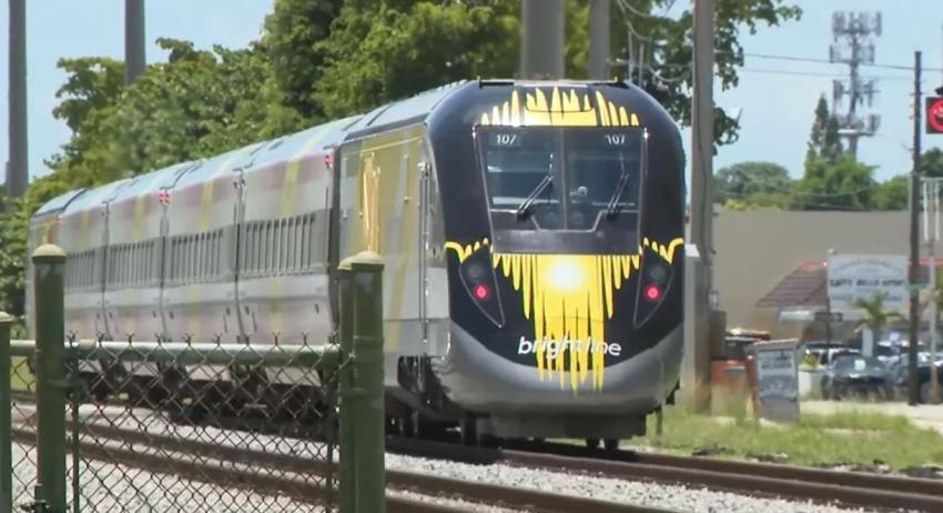 Tren rápido Brightline golpea y mata a una persona en Hollywood, Florida