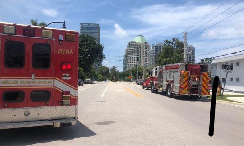 Edificio de apartamentos en Miami es evacuado tras encontrar un viejo tanque de gasolina enterrado; autoridades piden evitar el área