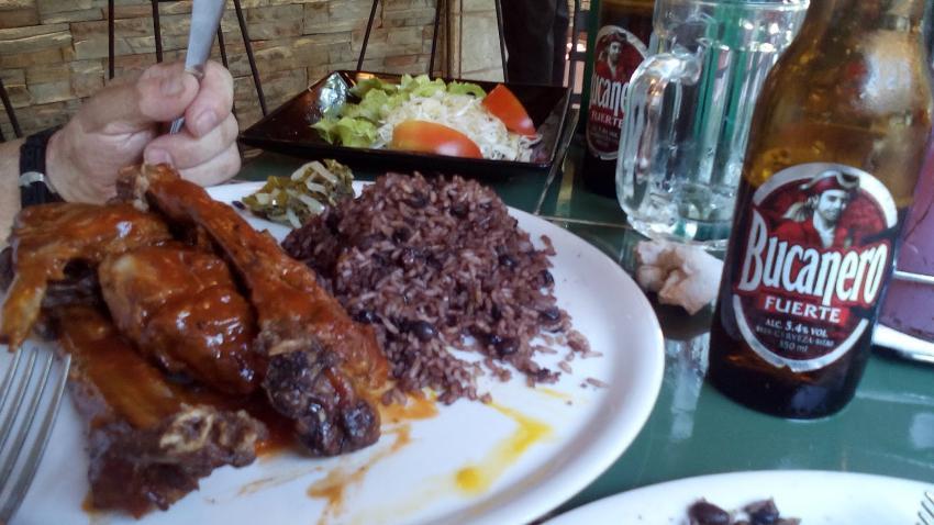 Gobierno cubano topa el precio de varios alimentos y bebidas en los negocios de cuentapropistas