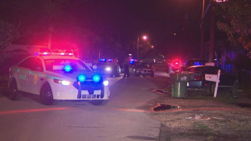 Un hombre y una mujer son heridos de bala sentados dentro de un vehículo en el suroeste de Miami