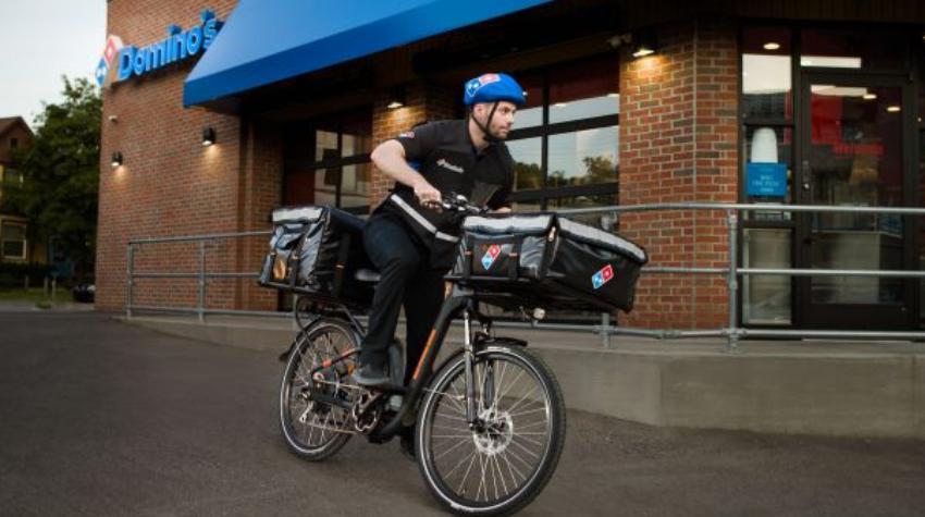 Bicicletas eléctricas entregarán pizzas de Domino's en Miami