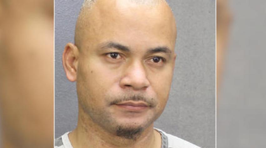 Pastor de Miami arrestado por abusar sexualmente de un menor
