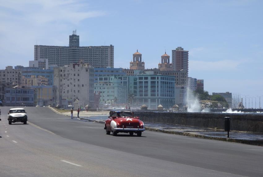 Onda tropical en el mar Caribe podría convertirse en depresión y afectar a Cuba