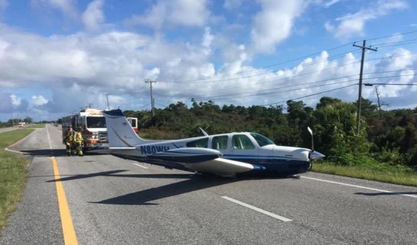 Avioneta privada hace aterrizaje de emergencia en una carretera en Florida