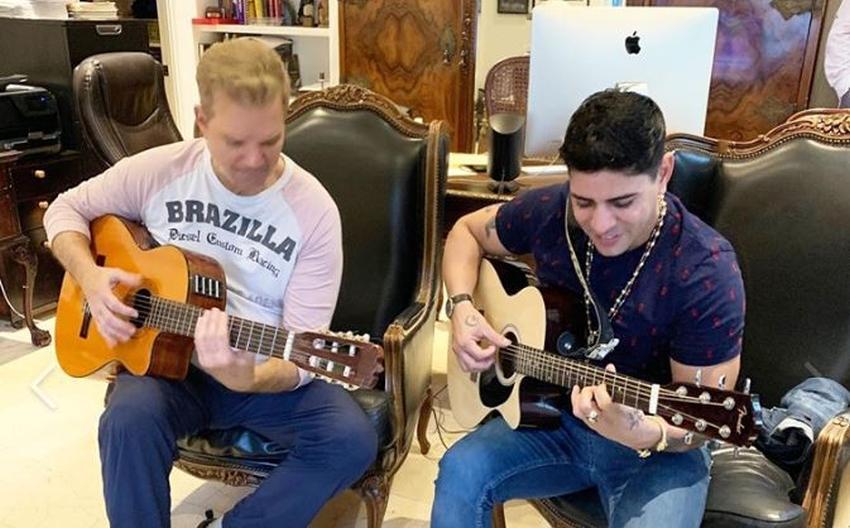 Reguetonero cubano Baby Lores visita la casa de Willy Chirino ¿Proyecto juntos?