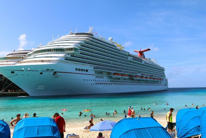 Procederá demanda contra Carnival por negociar con propiedades confiscadas en Cuba, tras el fallo de un juez de Miami