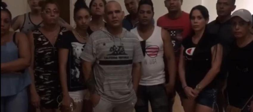 Más de 40 migrantes cubanos en Ciudad Juárez dispuestos a donar su sangre a los heridos del tiroteo en El Paso, Texas