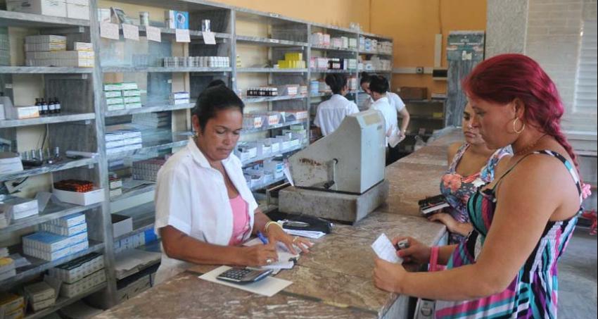 Doctor cubano denuncia en las redes que no hay medicamentos para su padre operado