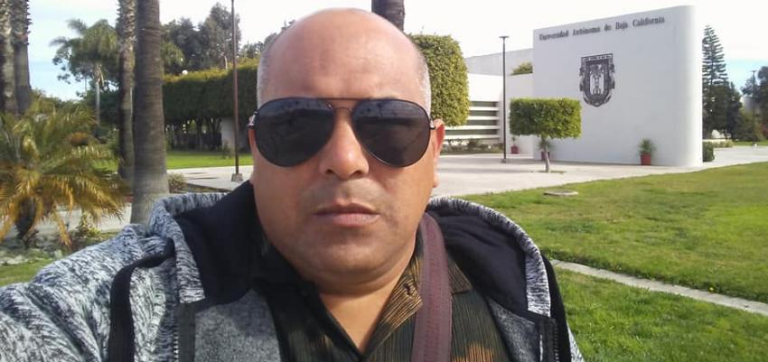 Defenderá su caso de asilo político en EEUU, reportero cubano expulsado de la prensa oficialista